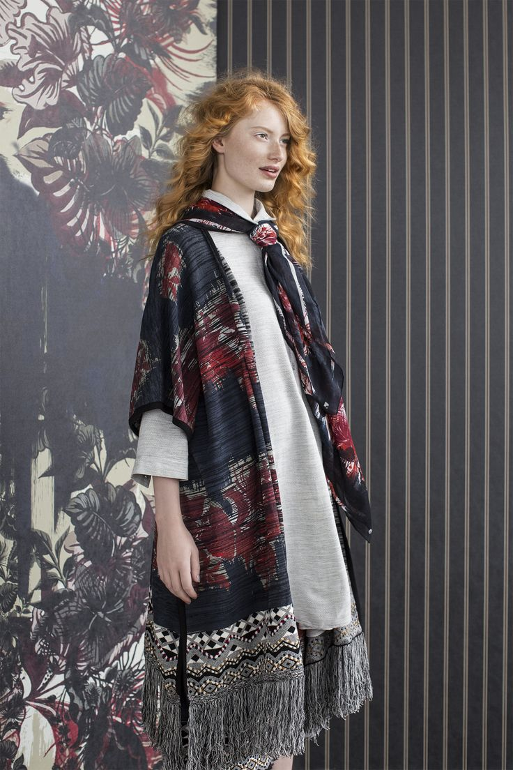 The Big Wave | Fall collection | Model | Photography | Poncho