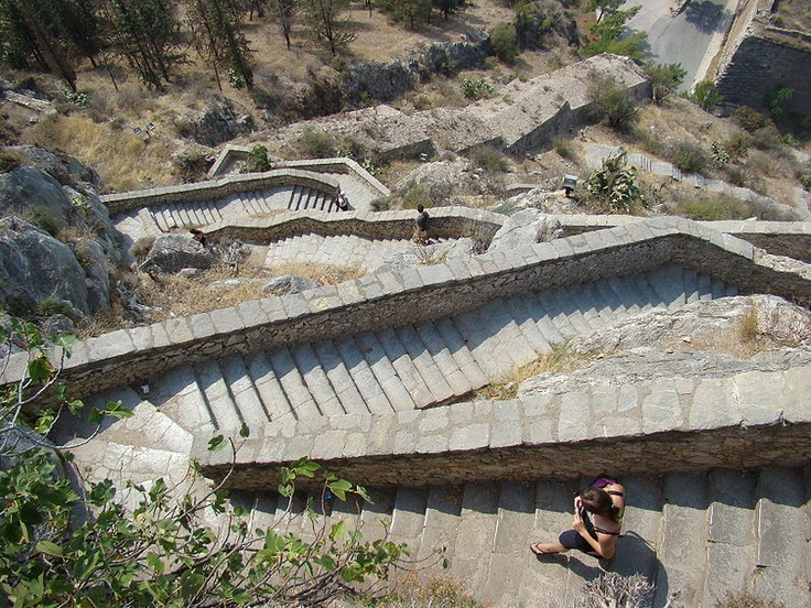 File:Stairs in Nafplio, Greece.jpg - Wikimedia Commons