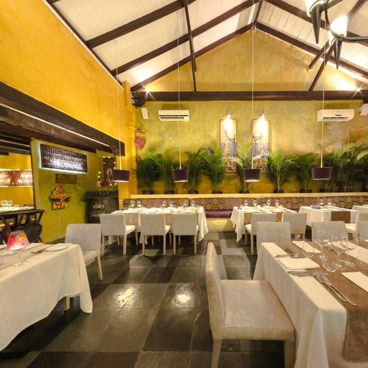 Bienvenidos parroquianos devotos de la buena mesa. #RestauranteElSantísimo #Cartagena #Caribe