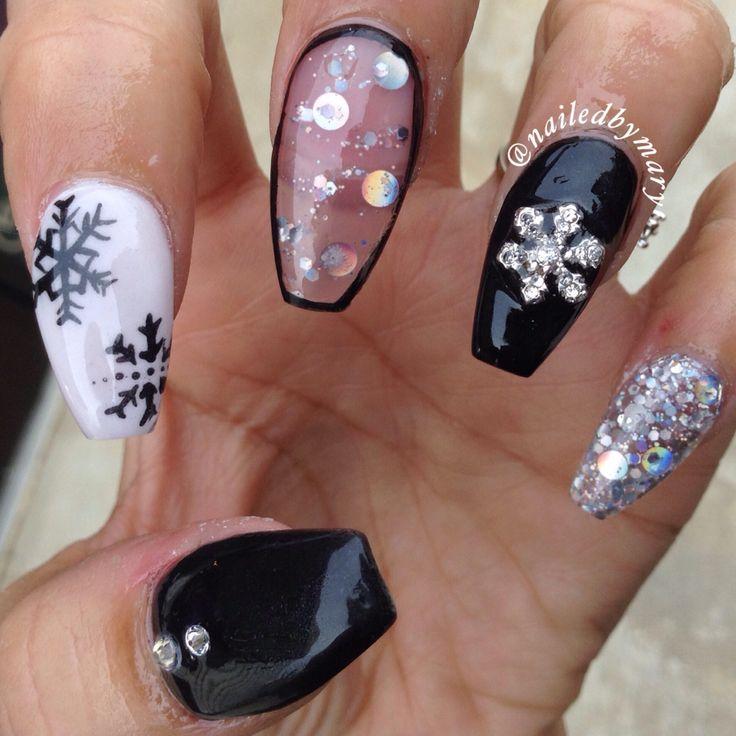 Christmas Acrylic Nails Coffin Shape: Black And White Winter Christmas Coffin Style Acrylic