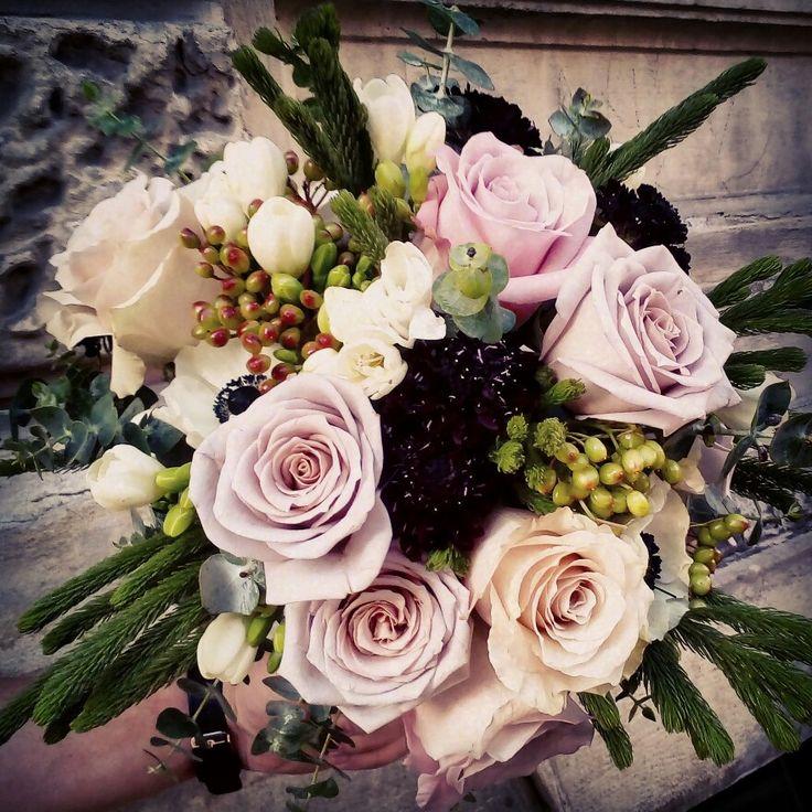 Paatel bride bouquet