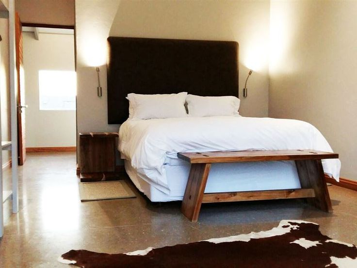 Galloway Guest House - Galloway Guest House is a brand new luxury guest house in the Robertson Wine Valley, conveniently located 10km outside of Robertson on a small holding in the Klaasvoogds West Meander overlooking the majestic ... #weekendgetaways #robertson #southafrica