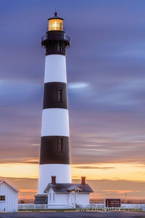 Faro de Bodie Island   - bancos de exterior, NC