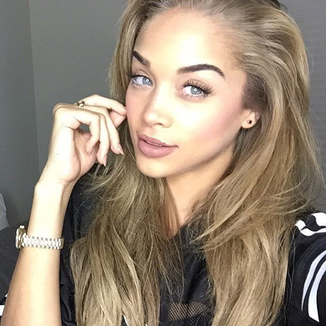 sanders girls Check out some homefessional pictures and video from deions new girl aleea lee she recently deion sanders ex-wife pilar on twitter lee posted two diffe(.