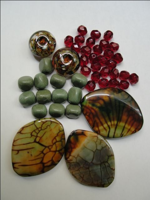This is what I sent to my partner @dorriehw  Dragon veins agate, Lamp work beads by Lizbeads, Forest green Serpentine, Czech fire-polished ...  Have fun, Dorit!