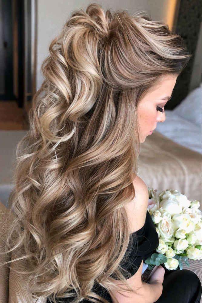Mother Of The Bride Hairstyles 63 Elegant Ideas 2020 21 Guide In 2020 Down Curly Hairstyles Mother Of The Bride Hair Hair Styles