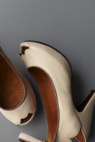 scallopFashion Shoes, Wedding Shoes, Funky Shoes, Shoes Fashion, Scallops Recipe, Girls Fashion, Girls Shoes, Vintage Inspiration, Vintage Style