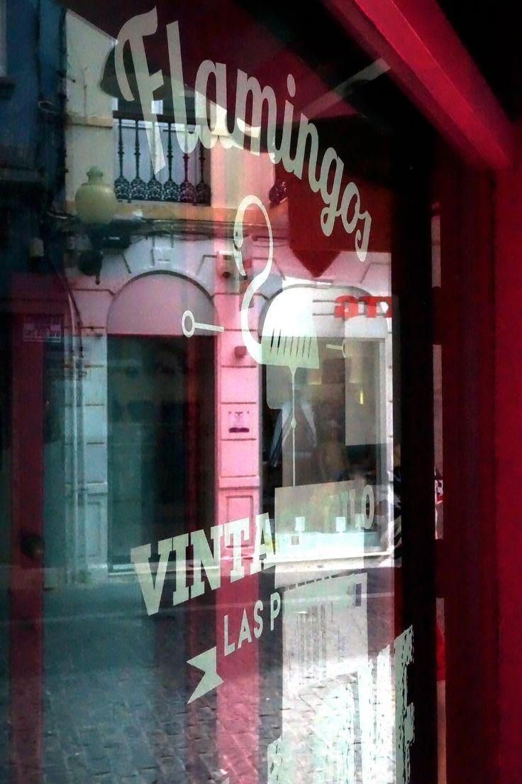 Secondhand-Shopping bei Flamingos Vintage in Las Palmas, Gran Canaria
