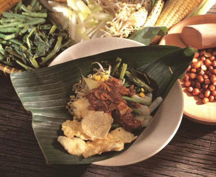 Craving for tasty Indonesia Food for your lunch today?  Visit #KafeBetawi at Kuningan City LG