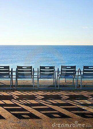 Le sedie blu simbolo città di Nizza