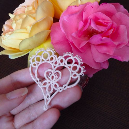 Tatting Heart ~ Trump motif ~