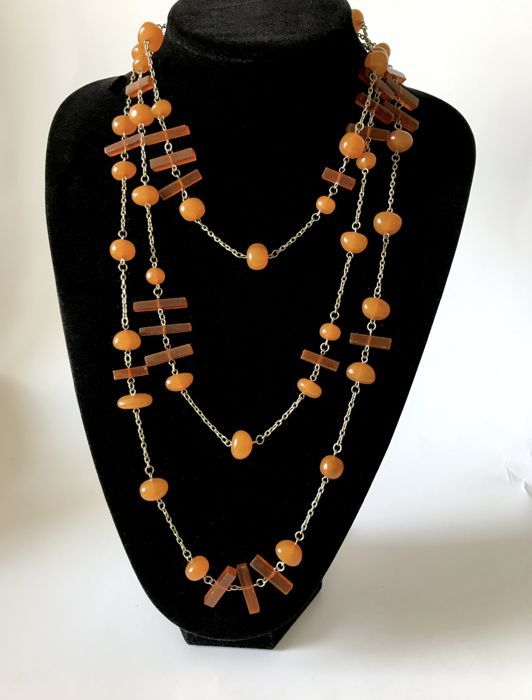 Online veilinghuis Catawiki: Long vintage necklace with Baltic amber beads, 66.4 grams, Art Deco period - no reserve