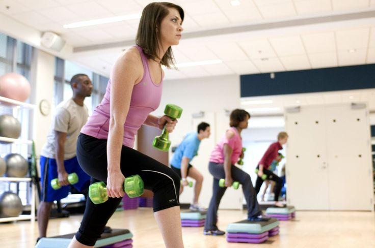 Mnoho lidí má problémy stělesnou hmotností a plno lidí ví, že snížit svou hmotnost není zrovna jednoduchý proces. Spalování tuků je velmi obtížné a ženy trápípředevším oblast bříška. Pokud se vám žádné výsledky scvičením a správným jídelníčkem nedostávají, nebo jsou minimální, vyzkoušejte proto naše triky. Co způsobuje tuk voblasti břicha Tuk, ukládající se kolem bříška, …