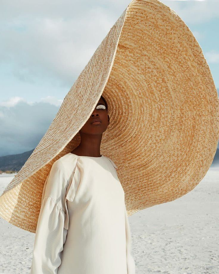 Designcollector 18 On Twitter Fashion Gone Rouge Big Hat Insta Fashion