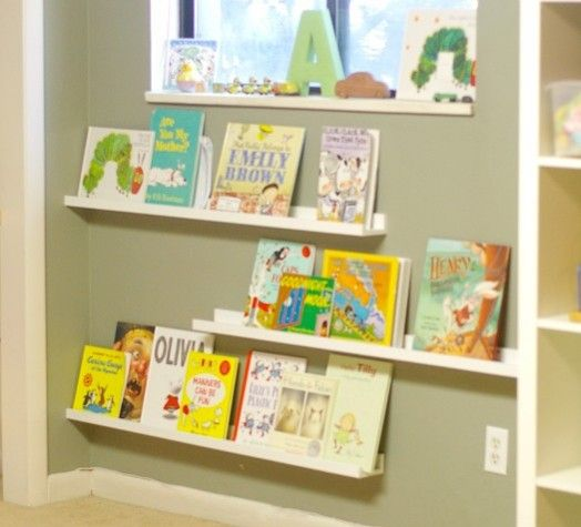 21 cool idea to organize a mini kids library or kids book for Kids room book shelf