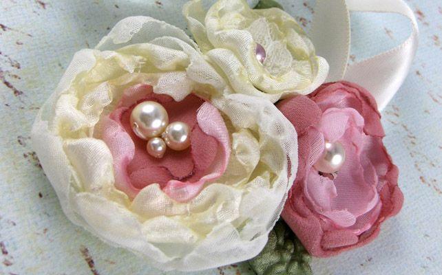 Как сделать браслеты с тканевыми цветами для подружек невесты