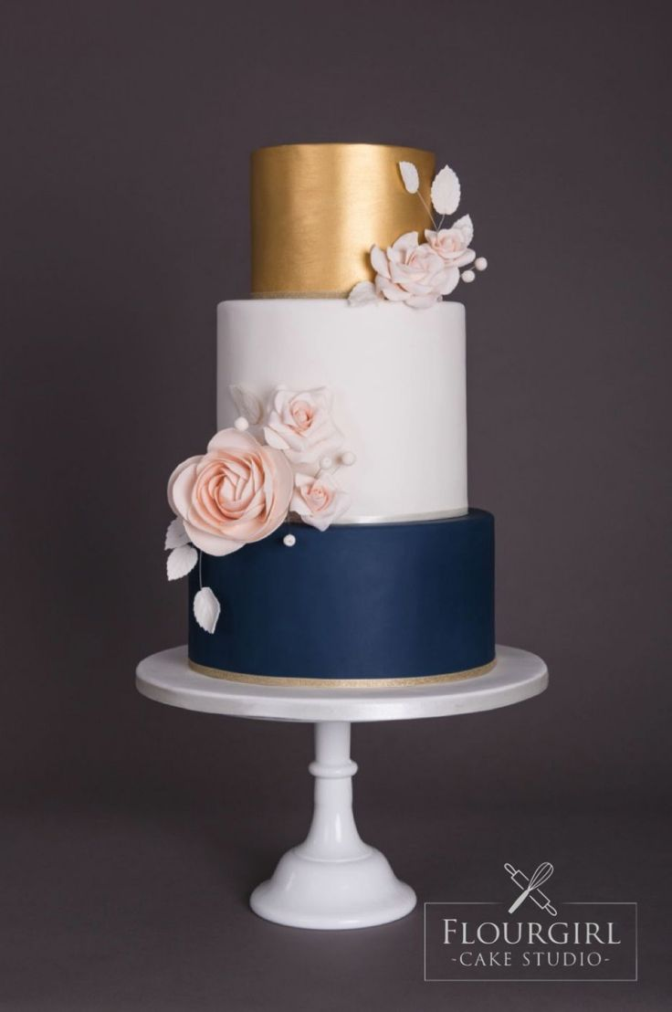 burgund statt navy mache ich% ef% b8% 8f pinterest erröten hochzeitstorten erröten heiraten …   – Navy blue and gold wedding