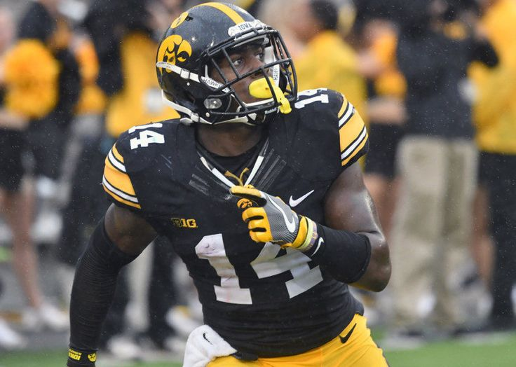 Iowa's Desmond King savors every bit of his college experience = University of Iowa cornerback Desmond King considered leaving for the NFL Draft last season, when he ranked second nationally in interceptions and won the Jim Thorpe Award (nation's best defensive back). He decided…..