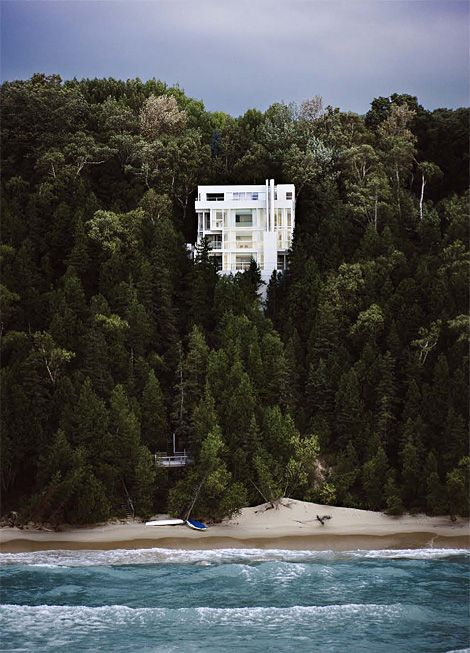 Richard Meier's Douglas House on the shore of Lake Michigan, beautifully captured by architectural photographer, Scott Frances.