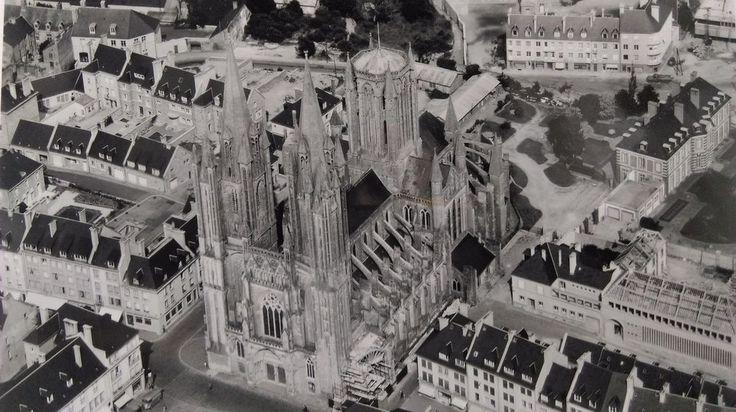"""ANCIENNE PHOTO AÉRIENNE de ROGER HENRARD 1956  """" COUTANCES """"  MANCHE NORMANDIE"""