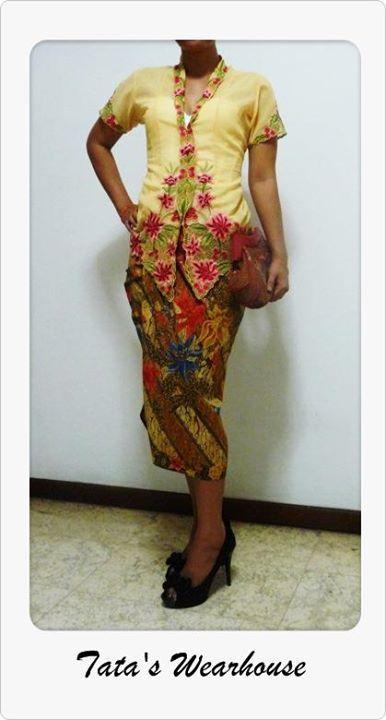 Kebaya encim and Batik Motif Demakan