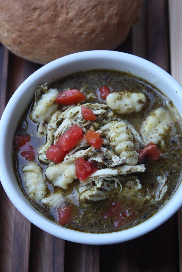 Zuppa di Gnocchi e Pesto
