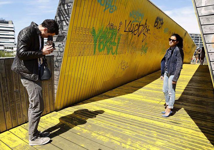 Let's do it the old fashioned way. - #project365 #day179 #photochallenge #city #rotterdam #luchtsingel #igersrotterdam #rottergram #iloverotterdam #takingpics #oldcamera #cityboy #citygirl #pumps #foto #fotografie #fotograafzuidholland #dk_photography #portraitphotographer #portraits  #geefjeookop #fotoshoot #stadsfotografie