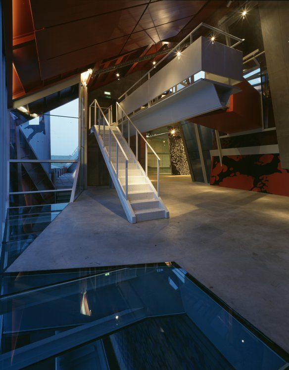 Groninger Museum by Coop Himmelb(l)au