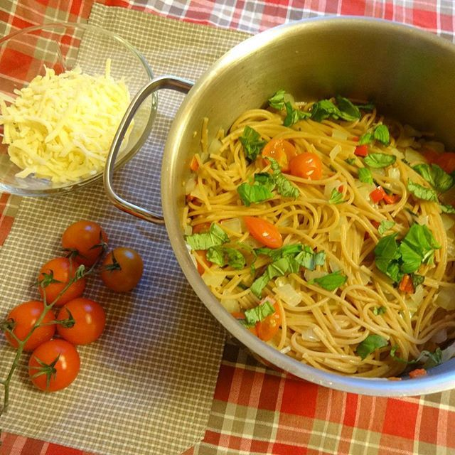 Edel's Mat & Vin : One pot pasta  ☆҉.¸.•❥•♪♫⁀°♡ღ  Vegetarpasta med to...