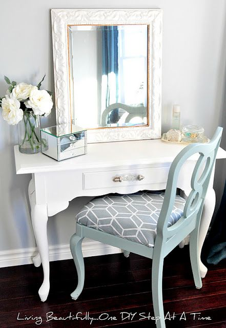 Living Beautifully...One (DIY) Step At A Time: Vanity Reveal