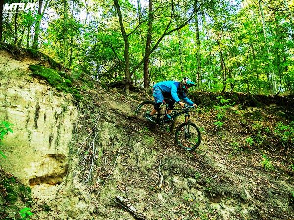 Our test ride on fantastic Canyon Torque FRX Dropzone bike. Check the review here: http://mtb.pl/sprzet-testy-i-zakupy/testy/1019,1,canyon-torque-frx-dropzone-test.html
