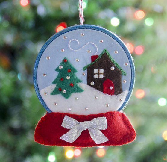 31 Cutest Christmas Felt Ornaments | ComfyDwelling.com #feltornaments