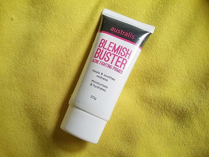 The Australis blemish remover primer makeup, called the Blemish Buster Acne Fighting Primer, is not only great for acne treatment but also helps in blemish removing and fixes your makeup at the same time.