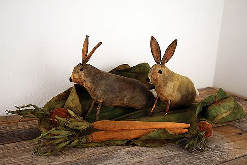 Primitive Garden Bunnies (by oldworldprimitives)