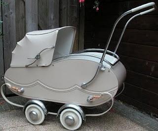 Kinderwagen uit de jaren '40-50.