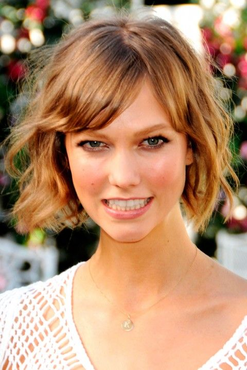 おしゃれヘアスタイルの参考にしたい海外セレブ、カーリー・クロス♪シャープでクールなカット・髪型・アレンジ☆