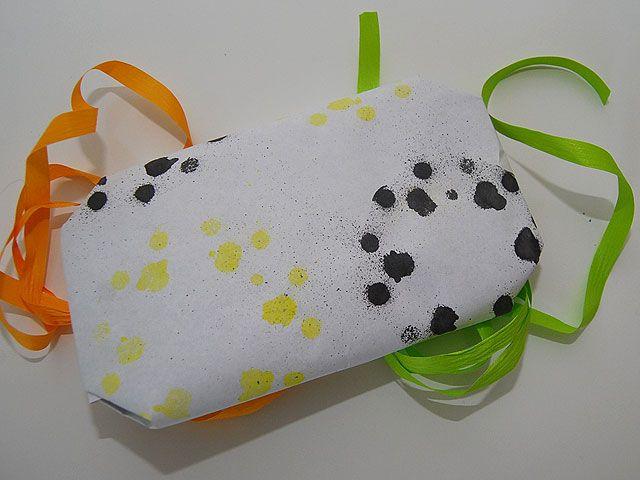DIY- Lahjapaperi kukkapurkkia käyttäen - Humua -kaikkien juhlien ideapankki