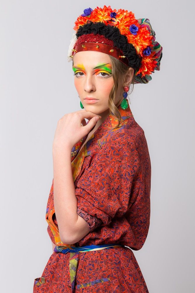 Styling project Dalles Go Ethnic look flowers headpiece tangerine