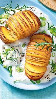 Kartoffelfächer mit Rosmarin-Dip