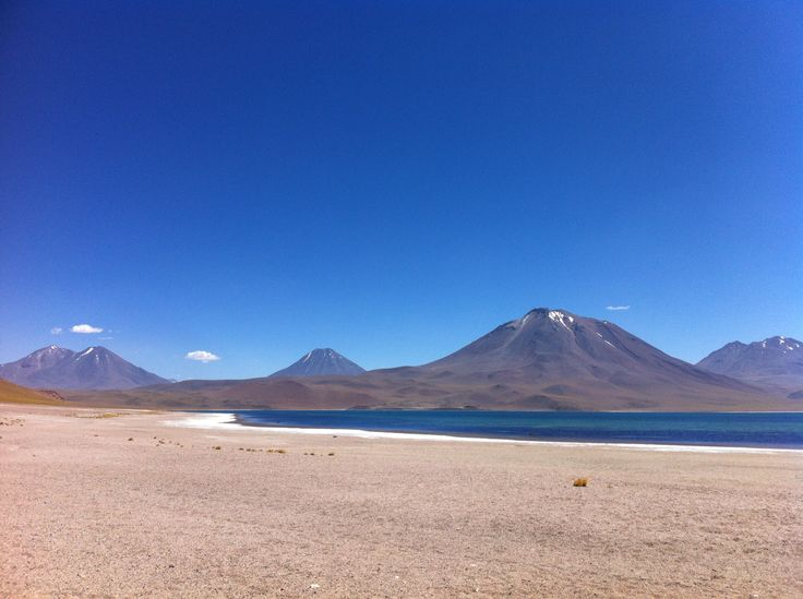 Lagunas altiplánicas en los Andes 4321 m, Atacama, Chile