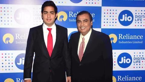 Mukesh Ambani's son to launch iPhone8 8 Plus in India! - NewsBytes #757Live