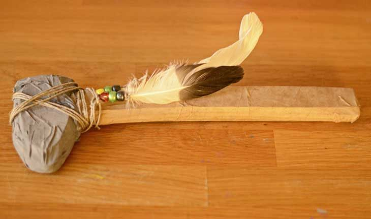 Make a native American Indian tomahawk with this easy tutorial for kids.