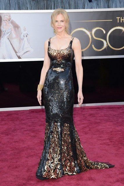 Nicole Kidman   Oscar Dresses   Doesn't look her best, not the right pose.