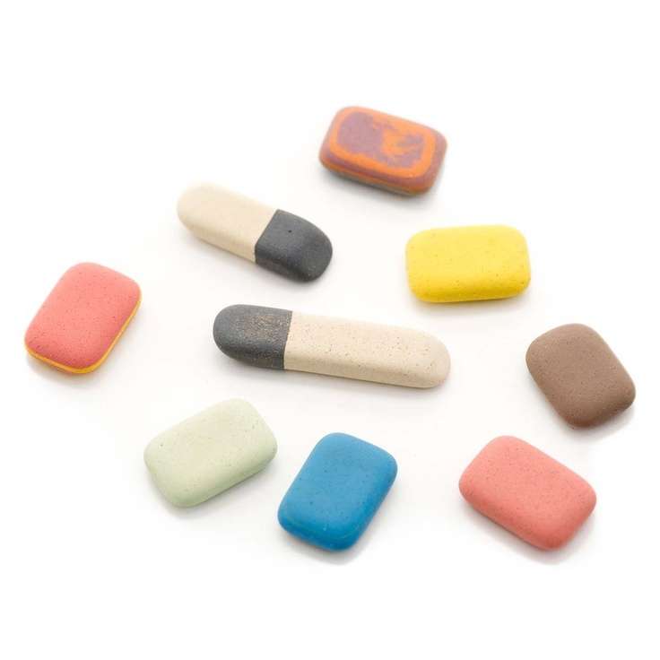 Lovely old school rubbers.. Yes they are called rubbers in the UK and NOT erasers!!