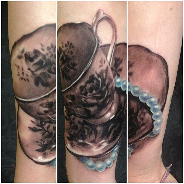 best 25 pearl tattoo ideas on pinterest rose tattoo on thigh rose tattoo ideas and side hip. Black Bedroom Furniture Sets. Home Design Ideas