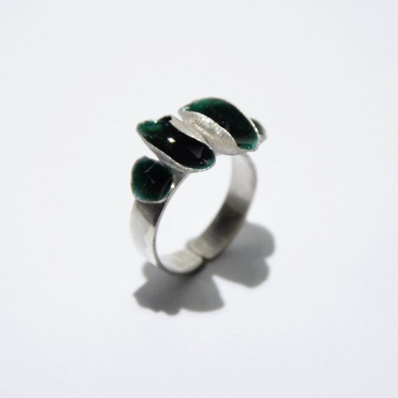 Deep green shell enamel ring by JRajtar on Etsy