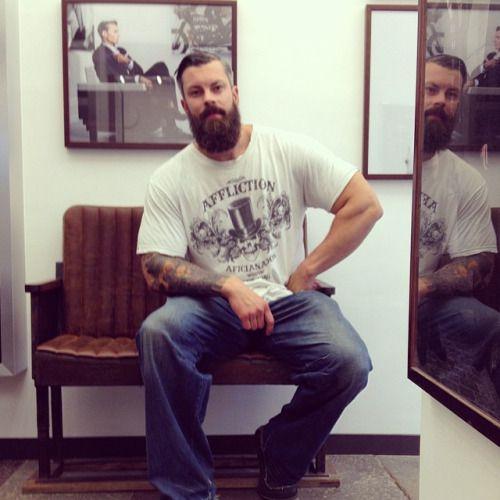@EJANSSon81 #snygg #man #skägg #skäggtrim #skäggvård #skäggsnygg #breard #beardlife #sharperbarbershop