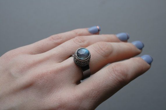 Unique sterling silver statement ring with blue flash Labradorite by ErlingeJewelry on Etsy