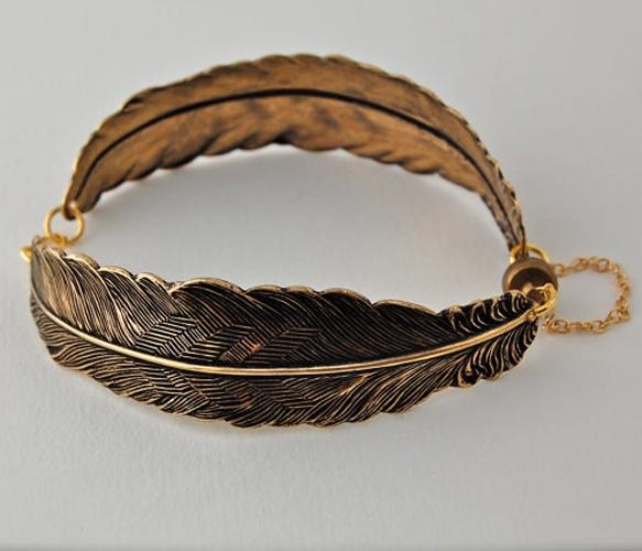 Vintage style // Gold feathers bracelet