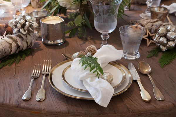 Light & Simple Holiday Decor tableware, glassware, decorations all from Leuk in Collingwood, Ontario